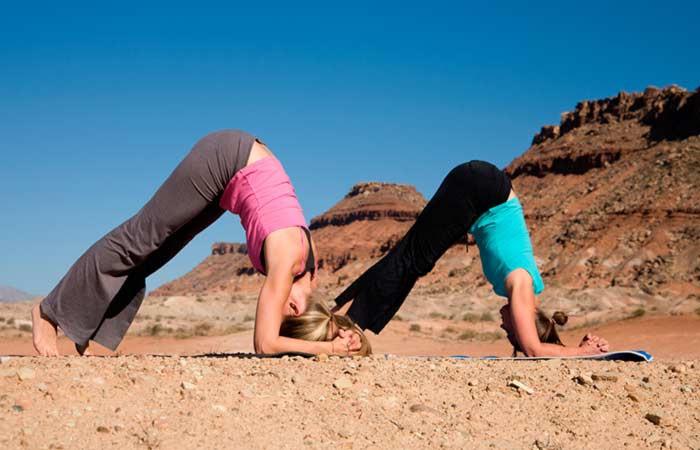Ngay từ tối nay tập ngay 8 tư thế yoga này để sở hữu bụng phẳng, eo thon săn chắc - Ảnh 8.