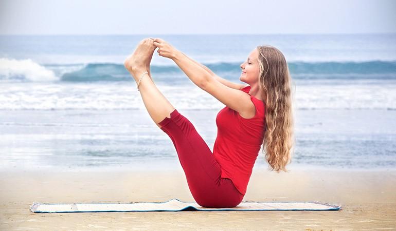Ngay từ tối nay tập ngay 8 tư thế yoga này để sở hữu bụng phẳng, eo thon săn chắc - Ảnh 6.
