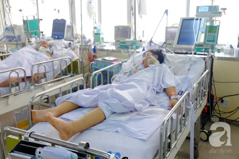 Người mẹ Đồng Nai lặng lẽ chờ ngày bán nhà cứu con trai hôn mê gần 1 tháng, phổi tổn thương đến 80% sau một cơn sốt cao - Ảnh 3.