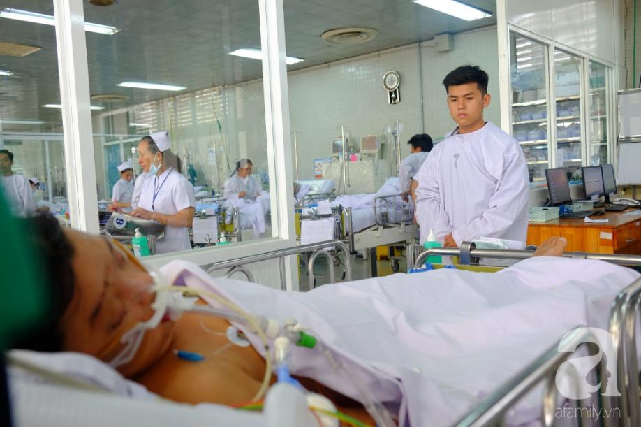 Người mẹ Đồng Nai lặng lẽ chờ ngày bán nhà cứu con trai hôn mê gần 1 tháng, phổi tổn thương đến 80% sau một cơn sốt cao - Ảnh 6.