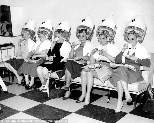 Từ thời chưa có botox, những năm 40-50 phái đẹp đã dày công làm đẹp với đủ mọi liệu trình chăm sóc da tại spa - Ảnh 3.