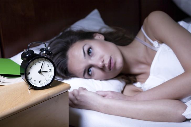 Đây là 7 hậu quả mà cơ thể phải đối mặt nếu ngày nào cũng thức rất khuya rồi lại dậy rất sớm - Ảnh 1.