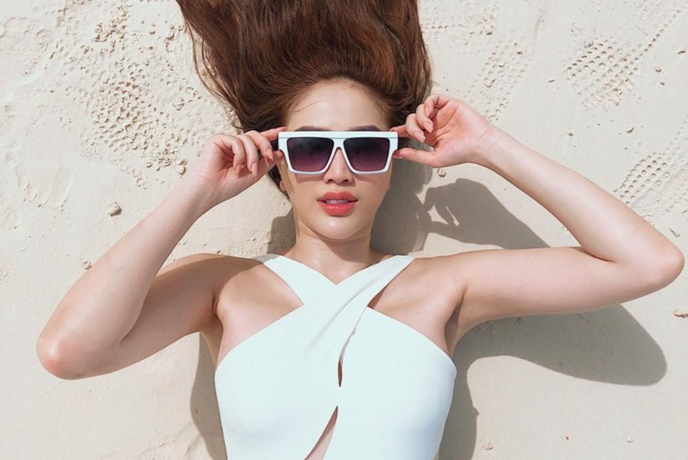 Bảo Thy tự tin thả dáng gợi cảm trong nhưng bộ bikini đầy màu sắc - Ảnh 8.