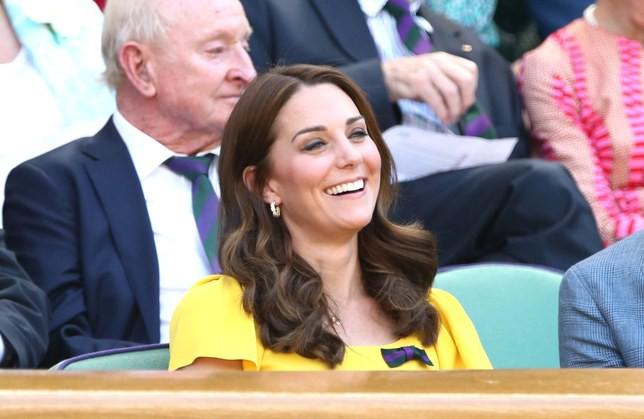 Không phải sắc màu mới mẻ và nổi bật, những màu son dễ đánh và trung tính mới là sự lựa chọn của phụ nữ Hoàng gia - Ảnh 10.