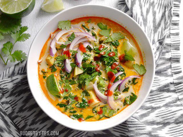Bữa sáng ngon lạ xuýt xoa với miến Thái chua cay siêu hấp dẫn - Ảnh 1.
