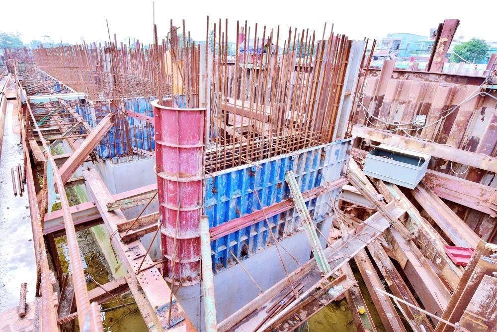 Chùm ảnh: Toàn cảnh sự bất động của loạt công trình chống ngập ở Sài Gòn vì... thiếu vốn, không còn bóng công nhân - Ảnh 14.