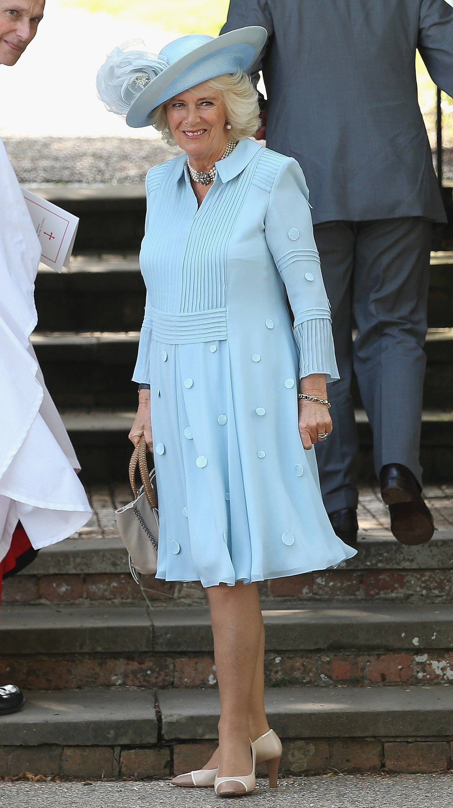 Mới làm dâu Hoàng gia chưa đầy 3 tháng, Meghan Markle đã cùng Nữ hoàng lọt top 30 nhân vật mặc đẹp nhất nước Anh  - Ảnh 4.