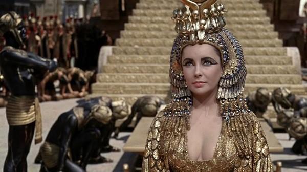 Khám phá bí thuật phòng the của các nữ hoàng nổi tiếng lịch sử, 2000 năm vẫn có ma lực hút hồn - Ảnh 1.