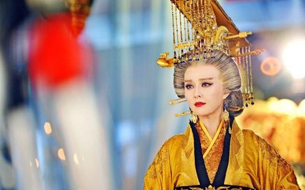 Khám phá bí thuật phòng the của các nữ hoàng nổi tiếng lịch sử, 2000 năm vẫn có ma lực hút hồn - Ảnh 3.