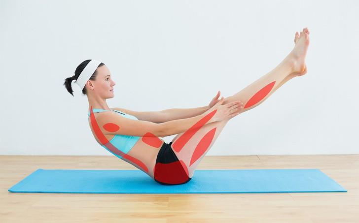 7 tư thế yoga cho bà bầu giúp đánh bay đau mỏi trong thai kỳ và các tư thế cần tránh - Ảnh 12.