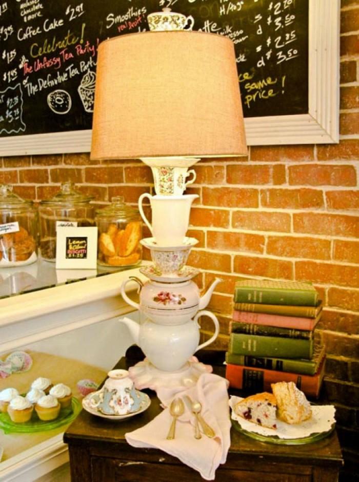 8 cách biến tấu tách trà và bát đĩa đã cũ thành vật trang trí nhà vừa tiết kiệm vừa đẹp - Ảnh 2.