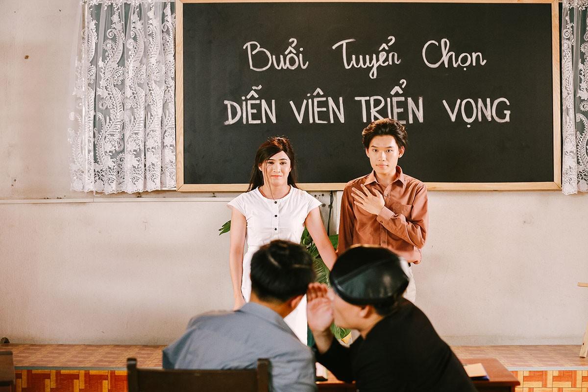Lâm Khánh Chi mặc áo dài, đứng bên bờ biển chờ người yêu cũ quay về trong MV Parody Duyên mình lỡ - Ảnh 7.