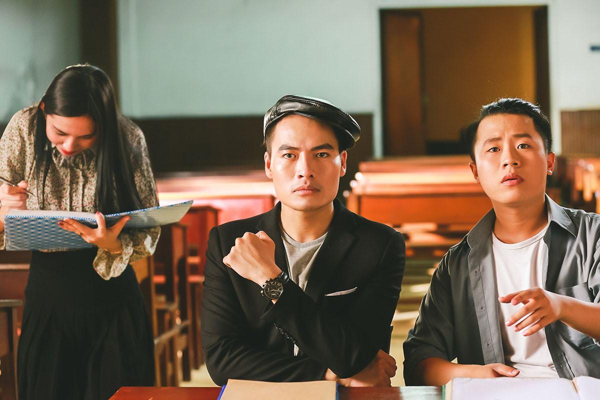Lâm Khánh Chi mặc áo dài, đứng bên bờ biển chờ người yêu cũ quay về trong MV Parody Duyên mình lỡ - Ảnh 6.