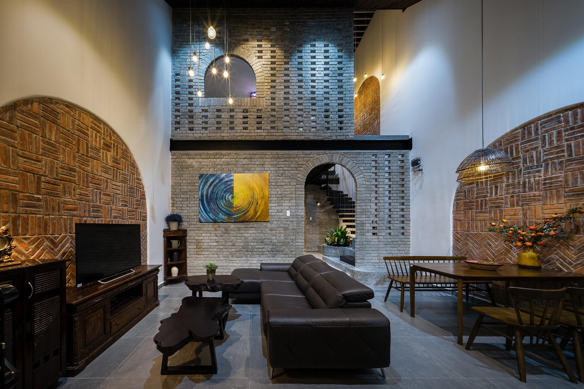 Ngôi nhà gạch 2 tầng của cặp vợ chồng già ở Đà Nẵng được tạp chí Mỹ xuýt xoa khen ngợi - Ảnh 6.