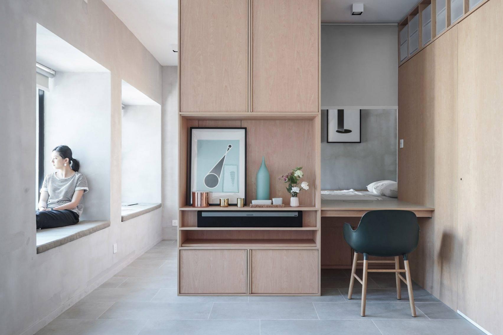 Ở nơi nhà đắt nhất thế giới, căn hộ nhỏ của cặp vợ chồng trẻ trở nên rộng gấp đôi nhờ giải pháp này - Ảnh 3.