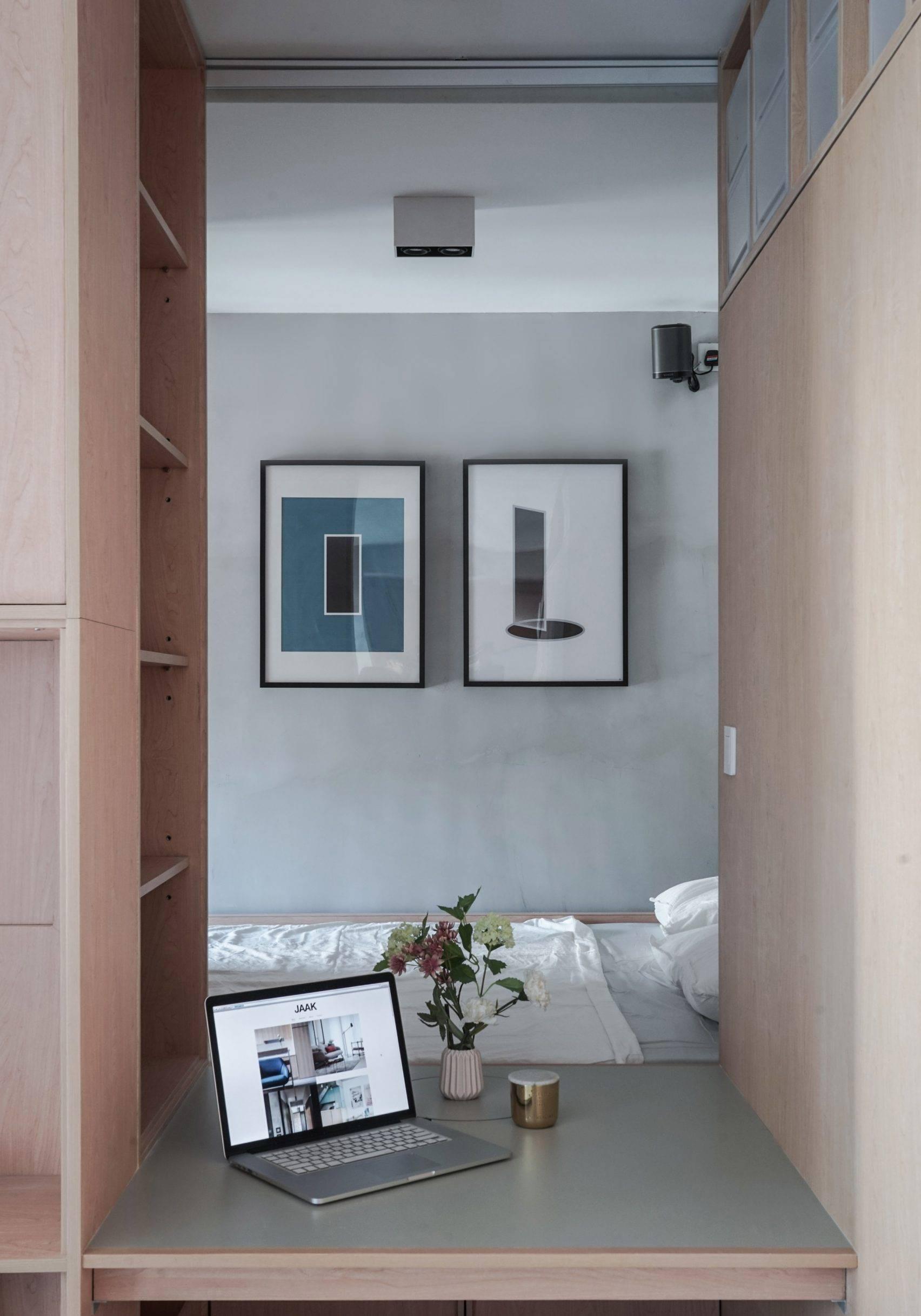 Ở nơi nhà đắt nhất thế giới, căn hộ nhỏ của cặp vợ chồng trẻ trở nên rộng gấp đôi nhờ giải pháp này - Ảnh 4.