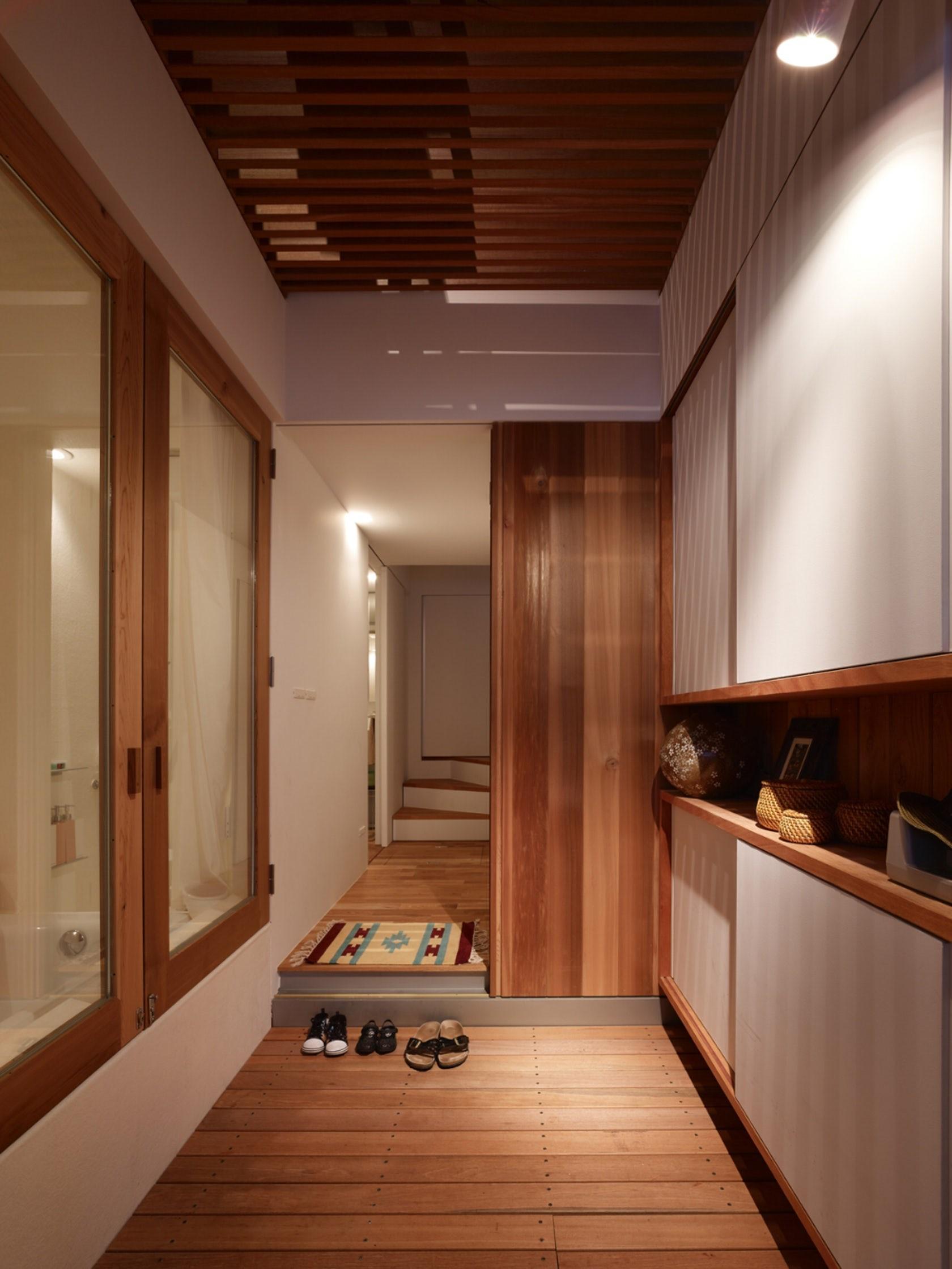 Ngôi nhà tí hon với mặt tiền hẹp 2,5m ở Nhật, sâu hun hút nhưng gây bất ngờ nhờ sở hữu thiết kế quá thông minh - Ảnh 6.