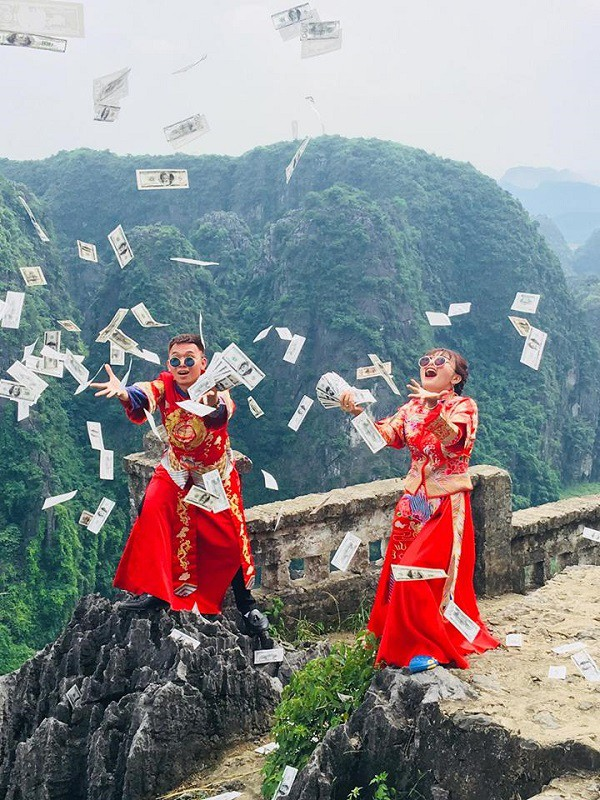 Chả ai như cặp đôi khiến MXH phát sốt này: hành trình tình yêu đi từ Tà Xùa đến cung Diên Hi lầy lội hết sức - Ảnh 9.