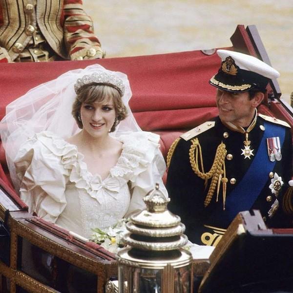 Hé lộ tuần trăng mật kinh hoàng của Công nương Diana và yêu cầu đau lòng của cô trước đám cưới cổ tích không được gia đình chấp nhận - Ảnh 1.