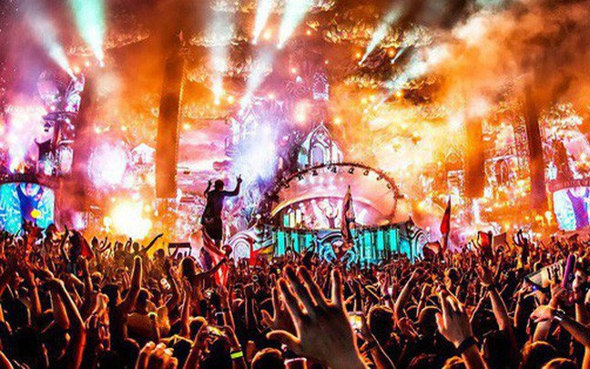 Hà Nội: Đã có 7 người tử vong, nhiều người sốc thuốc tại lễ hội âm nhạc ở công viên nước Hồ Tây