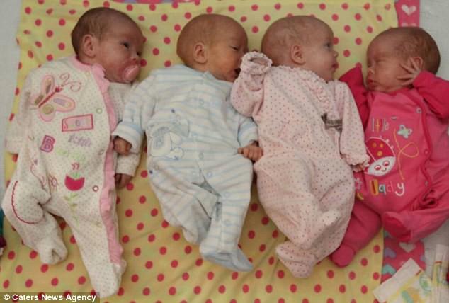 Bất chấp lời khuyên của bác sĩ chỉ nên giữ lại 2/4 thai, bà mẹ mang thai tư đã đón nhận điều kì diệu ngoài mong đợi - Ảnh 1.