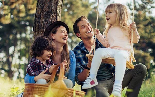 Các nhà khoa học khuyên rằng nếu làm điều nhỏ nhặt này sẽ khiến con bạn hạnh phúc hơn khi trưởng thành - Ảnh 1.