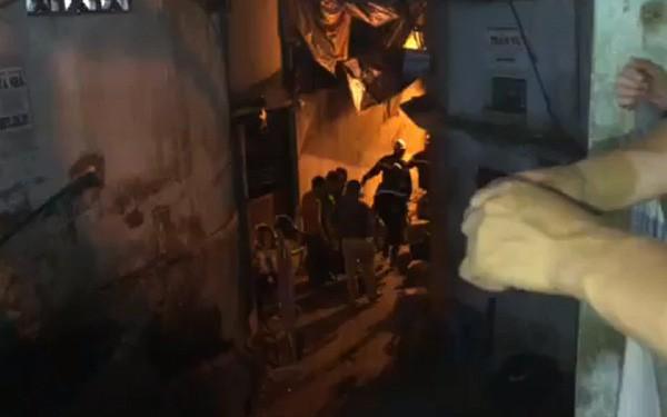 Nóng: Phát hiện thi thể bị biến dạng sau vụ cháy khu nhà trọ tại dốc BV Nhi Trung Ương