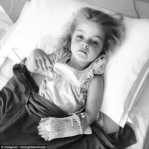Bác sĩ cho rằng con ốm nhẹ, bản năng của người mẹ đã cứu sống con khỏi căn bệnh nguy hiểm - Ảnh 1.