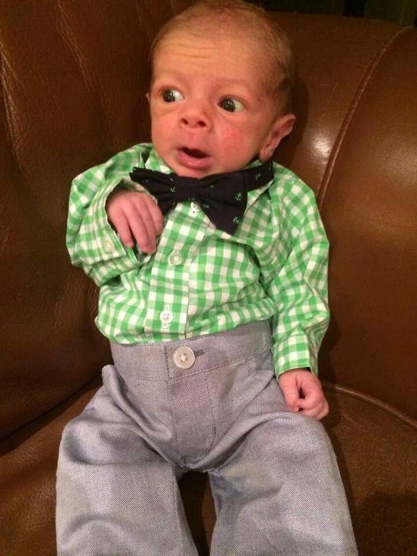 """Ngắm biểu cảm khuôn mặt """"già như trái cà"""" của các bé khiến bố mẹ phải cười bò - Ảnh 38."""