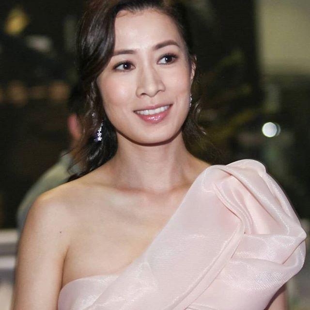 Cùng là U40: Phú sát Hoàng hậu Tần Lan mặc chất nhưng mặt đơ còn kế Hậu Xa Thi Mạn bánh bèo lại tỏa sáng - Ảnh 8.