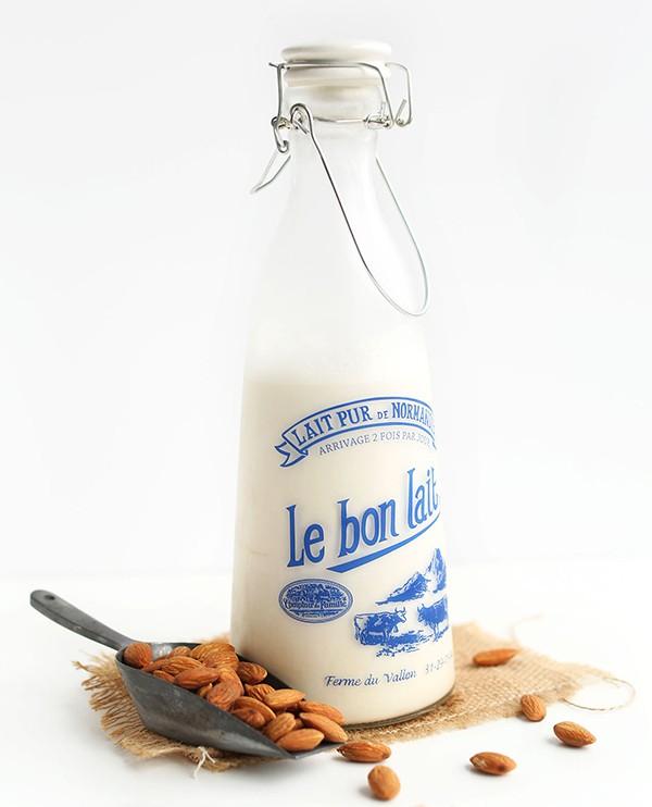 Mẹ hãy làm ngay 3 loại sữa hạt nhiều dinh dưỡng này cho cả nhà uống mỗi ngày vừa ngon lại tốt - Ảnh 2.