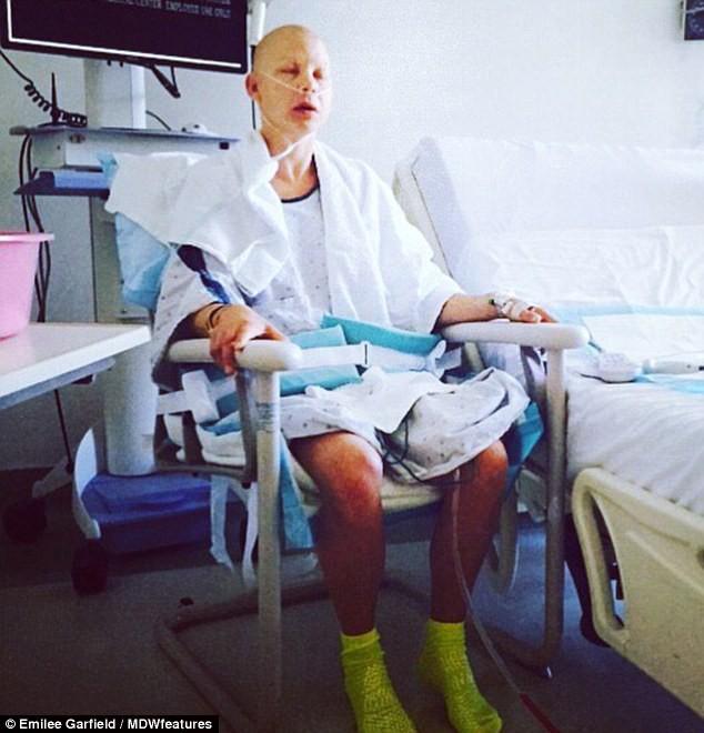 Người mẹ đánh bại bệnh ung thư 2 lần sau khi chỉ còn 27% cơ hội sống - Ảnh 2.