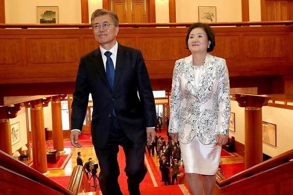 Đường đường là Tổng thống Hàn Quốc lại từng bị uy hiếp: Rốt cuộc anh có định cưới em không? Nói nhanh! - Ảnh 9.