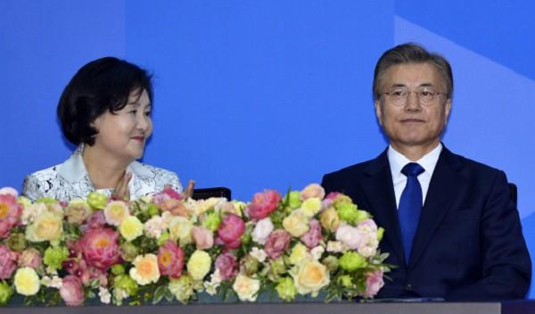 Đường đường là Tổng thống Hàn Quốc lại từng bị uy hiếp: Rốt cuộc anh có định cưới em không? Nói nhanh! - Ảnh 6.