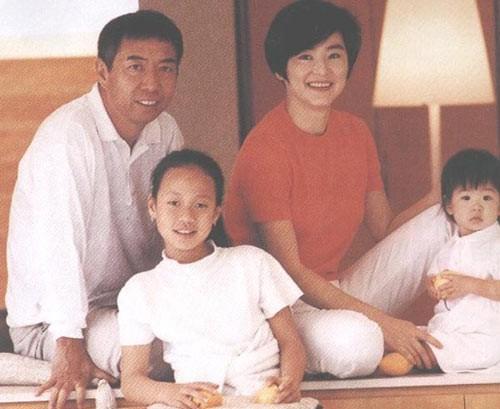 Đông Phương Bất Bại Lâm Thanh Hà: Mang danh hồ ly giật chồng 20 năm và cuộc hôn nhân tức tưởi với tỷ phú Hong Kong - Ảnh 10.