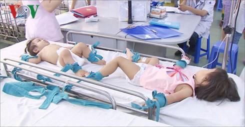 Bệnh tay chân miệng tăng đột biến, lo ngại bùng phát ở TP. HCM - Ảnh 2.