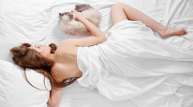 Những lợi ích vàng đối với phụ nữ khi khỏa thân trong lúc ngủ - Ảnh 1.