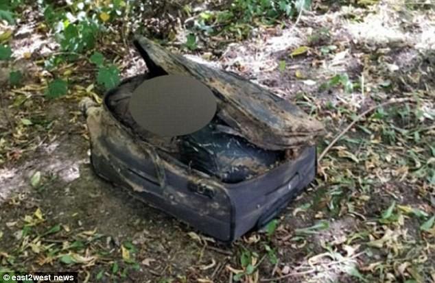 Nga: Phát hiện thi thể khỏa thân của 2 cô gái trong 2 chiếc vali đen trong vòng 1 tháng, nghi ngờ có thể là sát nhân hàng loạt - Ảnh 2.