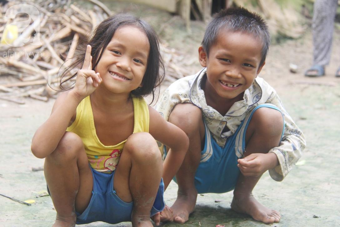 Hai lần đẻ rớt tại nhà, 4 đứa trẻ đói ăn bên người mẹ bầu 8 tháng không thể mượn được 500 ngàn để đi bệnh viện - Ảnh 14.