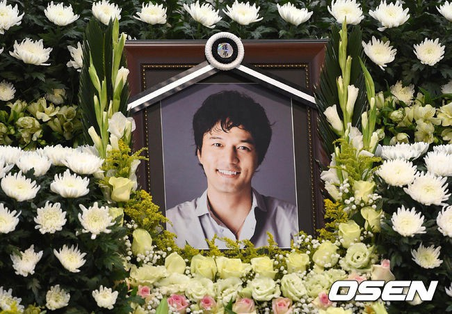 Phận đời sao Hàn từng là rich kids của tập đoàn lớn: Người hạnh phúc xa hoa, kẻ tự tử sau bi kịch liên hoàn - Ảnh 9.