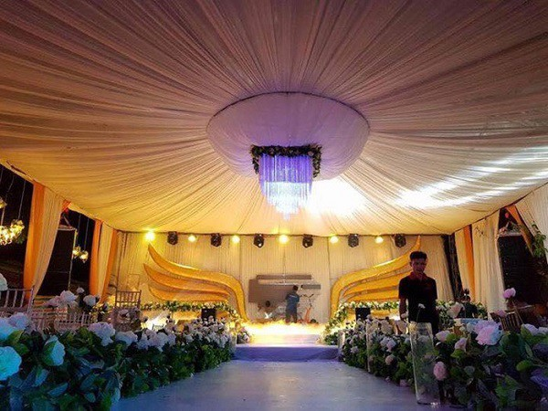 Tròn miệng dẹt mắt vì các siêu đám cưới sang, xịn, mịn: Tiệc cưới 3000 khách mời, cô dâu đội vương miện 100 cây vàng, đón dâu bằng phi cơ... - Ảnh 7.
