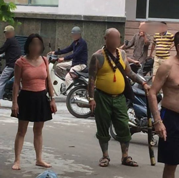 Hà Nội: Tiếng khóc nghẹn của mẹ già tố cáo bị con gái đi cùng xã hội đen đánh chấn thương sọ não - Ảnh 2.