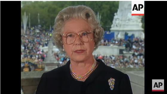 """5 ngày sau khi Công nương Diana qua đời, Nữ hoàng Anh đã làm điều đặc biệt dành cho con dâu cũ và thừa nhận """"tôi ngưỡng mộ cô ấy"""" - Ảnh 1."""