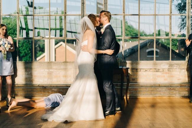 Ngày cưới chính là ngày vui nhất, vì vậy hãy lưu lại khoảnh khắc ấy bằng những bức hình nhìn là muốn cười bò như thế này - Ảnh 11.
