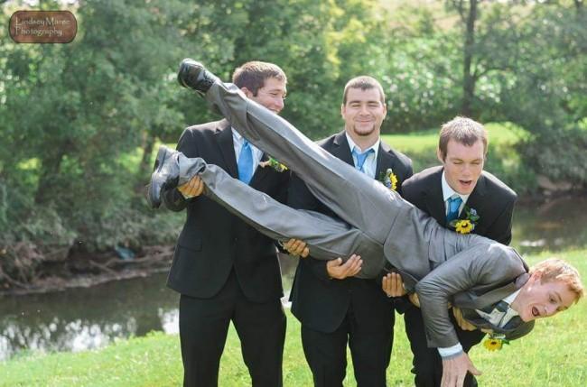 Ngày cưới chính là ngày vui nhất, vì vậy hãy lưu lại khoảnh khắc ấy bằng những bức hình nhìn là muốn cười bò như thế này - Ảnh 12.