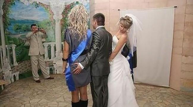 Ngày cưới chính là ngày vui nhất, vì vậy hãy lưu lại khoảnh khắc ấy bằng những bức hình nhìn là muốn cười bò như thế này - Ảnh 17.