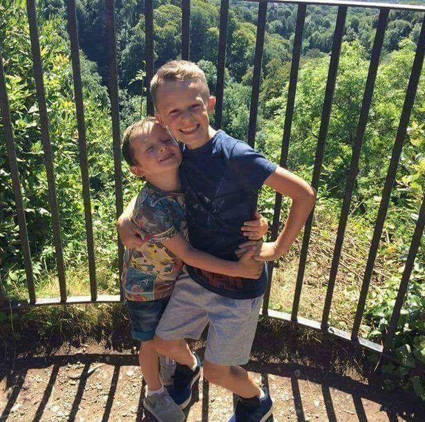 Cậu bé ung thư chiến đấu giành giật sự sống từng ngày để kịp gặp mặt em gái mới sinh trước khi qua đời - Ảnh 3.
