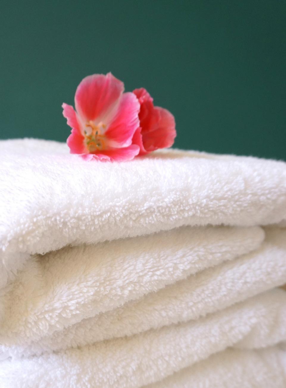 4 cách dưới đây giúp khăn tắm nhà bạn luôn mềm mại và mịn màng