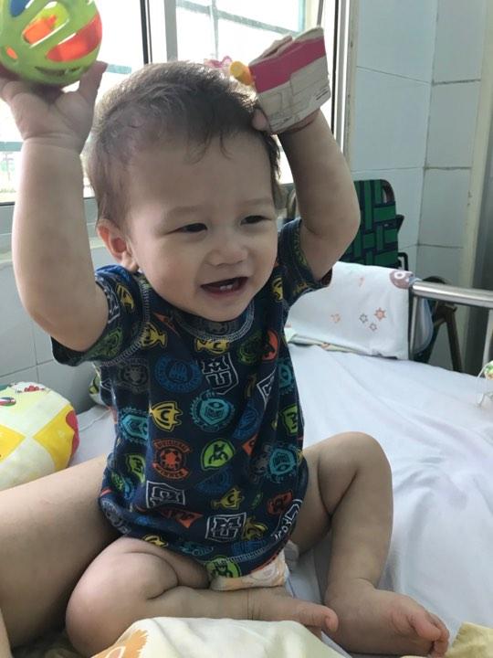 Mẹ tưởng con chỉ bị viêm phổi nhưng cuối cùng lại mắc bệnh lạ nguy hiểm - Ảnh 8.