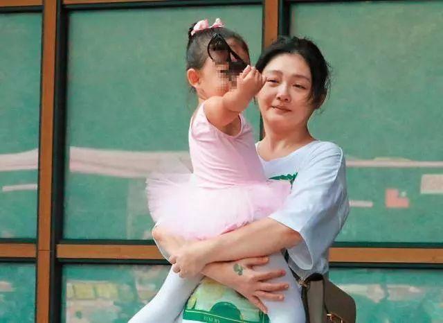 Mẹ hai con Từ Hy Viên từng nặng tới 80kg sau khi sinh đã lột xác ngoạn mục nhờ chỉ ăn 2 bữa cơm mỗi ngày - Ảnh 6.